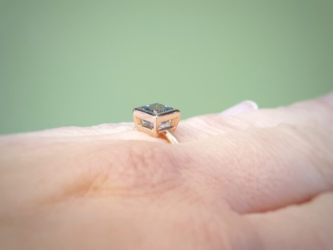 Roodgouden ring Carré aquamarijn. rose gold ring carré aquamarine. oogst goudsmid Amsterdam.