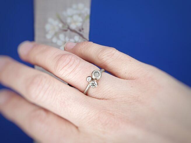Ring Verzameling, witgoud met diamanten. Oogst goudsmid Amsterdam