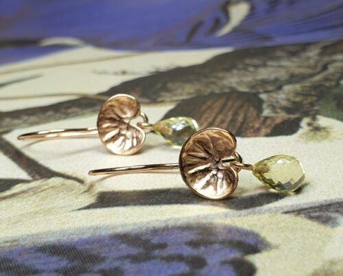Rose gold Fungus earrings with lemon quartz drops. Made in the Oogst studio in Amsterdam.