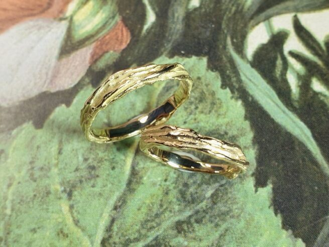 Yellow gold and rose gold  'Twist' wedding rings. Design by Oogst Jewellery in Amsterdam