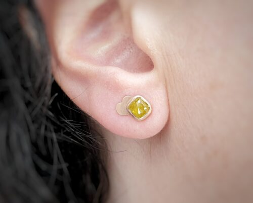 Rose gold ear studs 'Cloud' with mustard yellow natural diamonds rose cut. design by Oogst Jewellery in Amsterdam